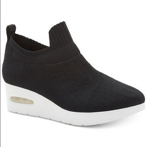 DKNY Angie Slip on Sneakers